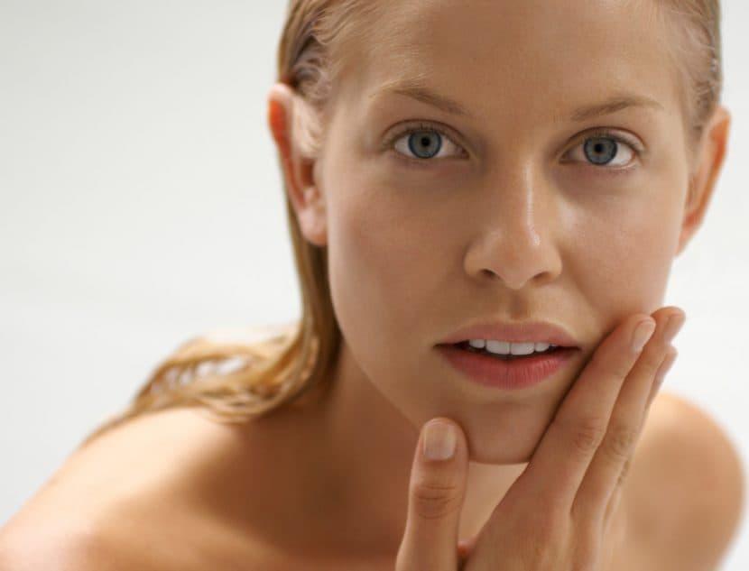Маска для лица сухой чувствительной кожи