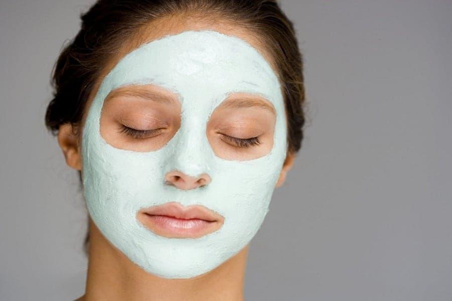 Маски от прыщей в домашних условиях. Эффективные домашние маски для лица от угрей и черных точек