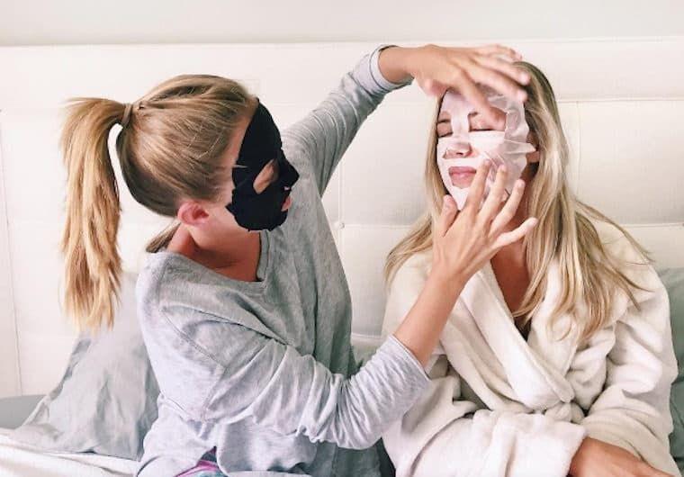 После маски для лица нужно умываться