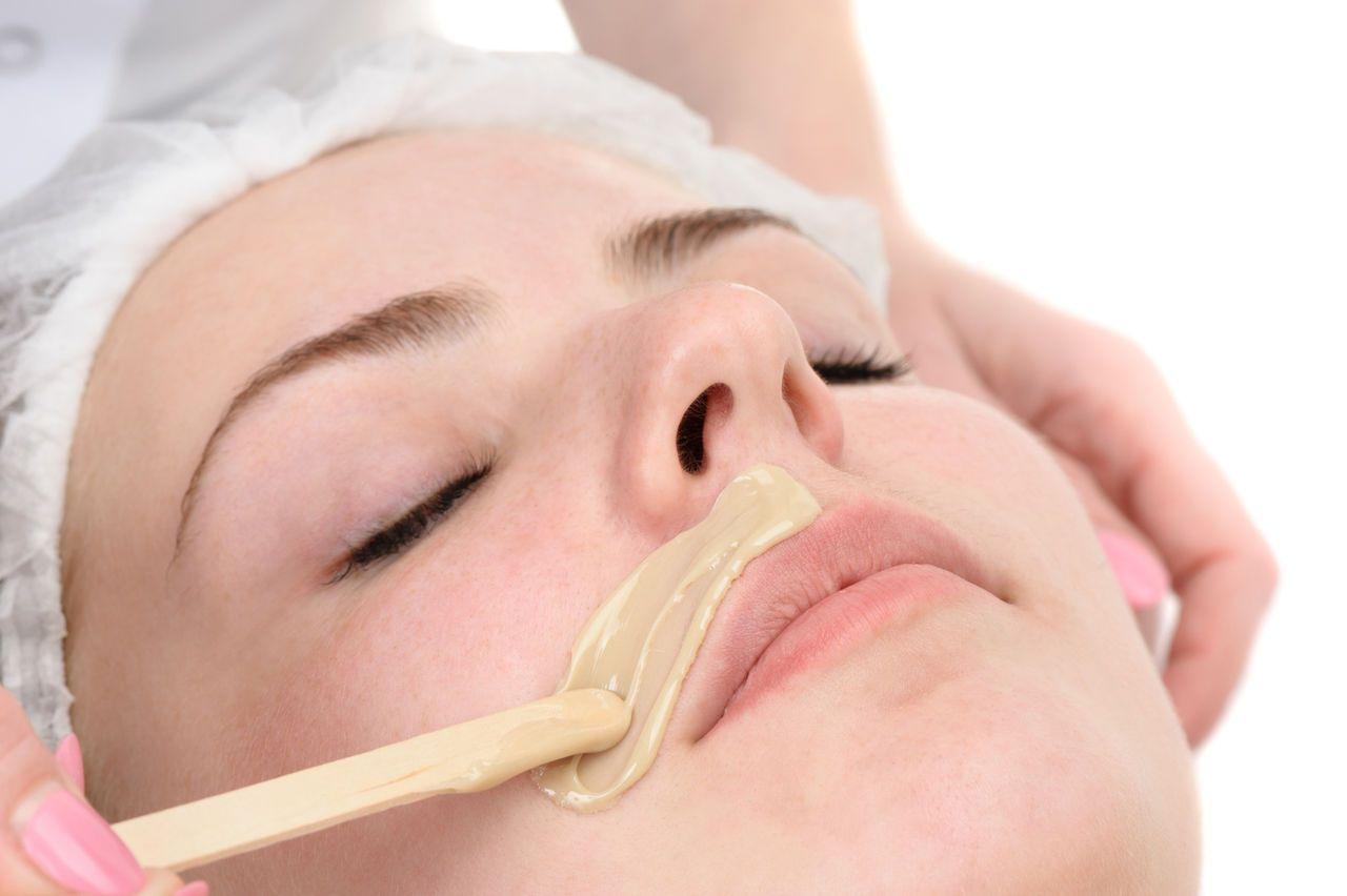 Удаление усиков на верхней губой: эпиляция, шугаринг, депиляция