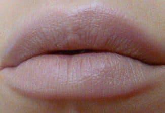 ТОП 9 лучших блесков для увеличения объема губ