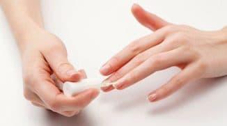 Почему гель лак не держится на ногтях