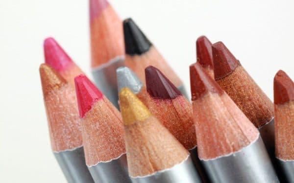 Красить губы карандашом вместо помады