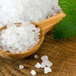 Польза и вред морской соли для ванн: состав, инструкция, отзывы