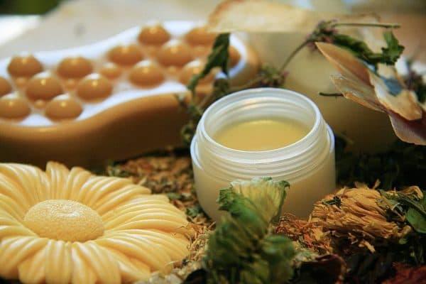 Масло оливы и какао для красивого загара.